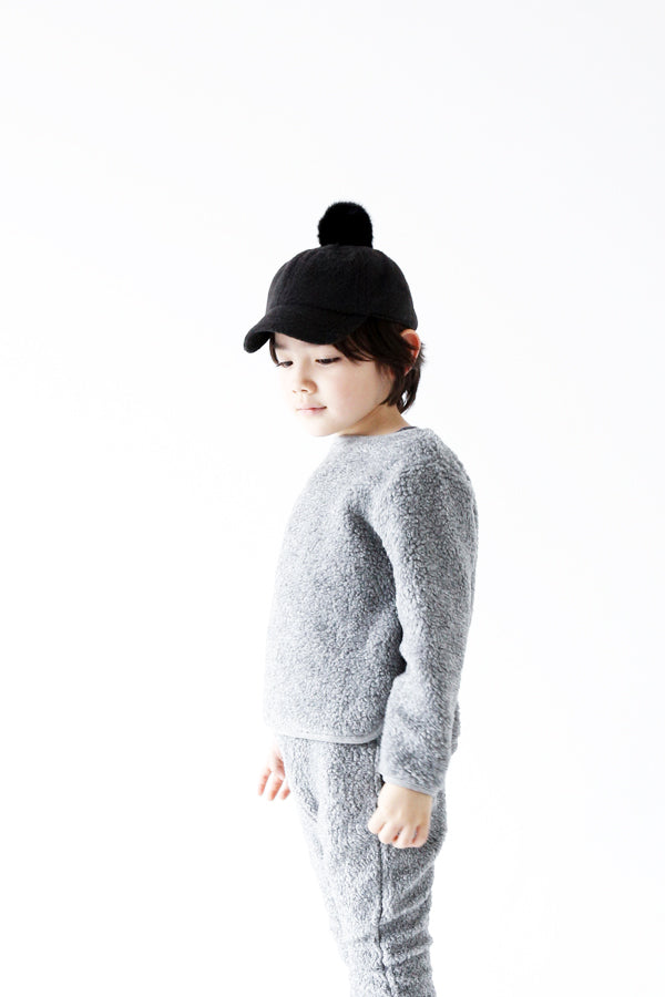 ChocolateSoup FLEECE POMPOM CAP BLACK