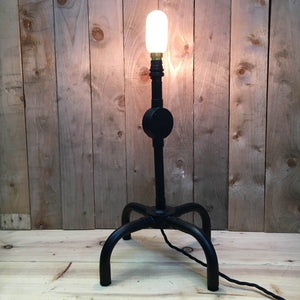 Black Steel pipe table lamp