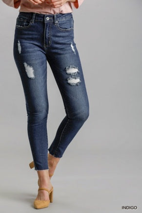 Distressed Stretchy Skinny Jeans w/ Unfinished Hem