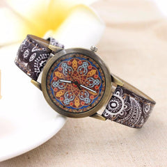 Retro Faux Leather Band Analogue Quartz Wrist Watch