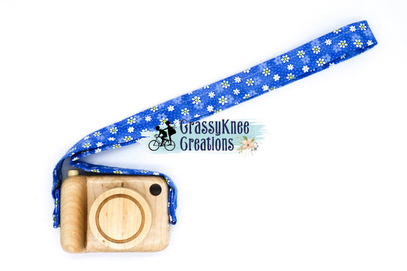 Maple Wood Daisy Camera