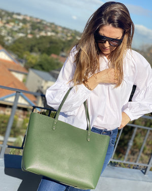 Pippa Lou Zip Front Tote Green