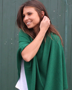 Classic Cashmere Poncho Moss