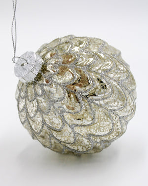 Scallop Bauble Silver