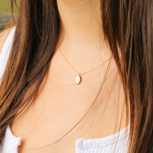 Oval Disk Star Necklace