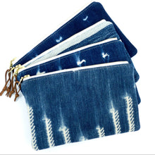 Load image into Gallery viewer, Medium vintage mudcloth zipper pouch - 8