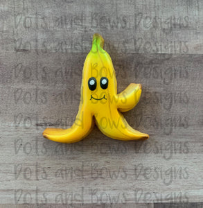 Banana Peel Cutter - Dots and Bows Designs