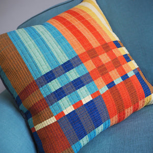Handloomed throw and cushion pattern
