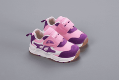 Pink eyes trainers