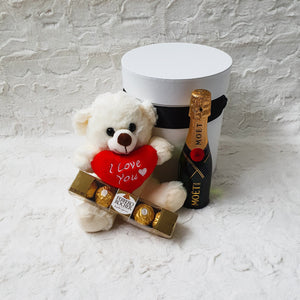 Infinite Rose | I Love You Gift Hamper - Moet & Chandon