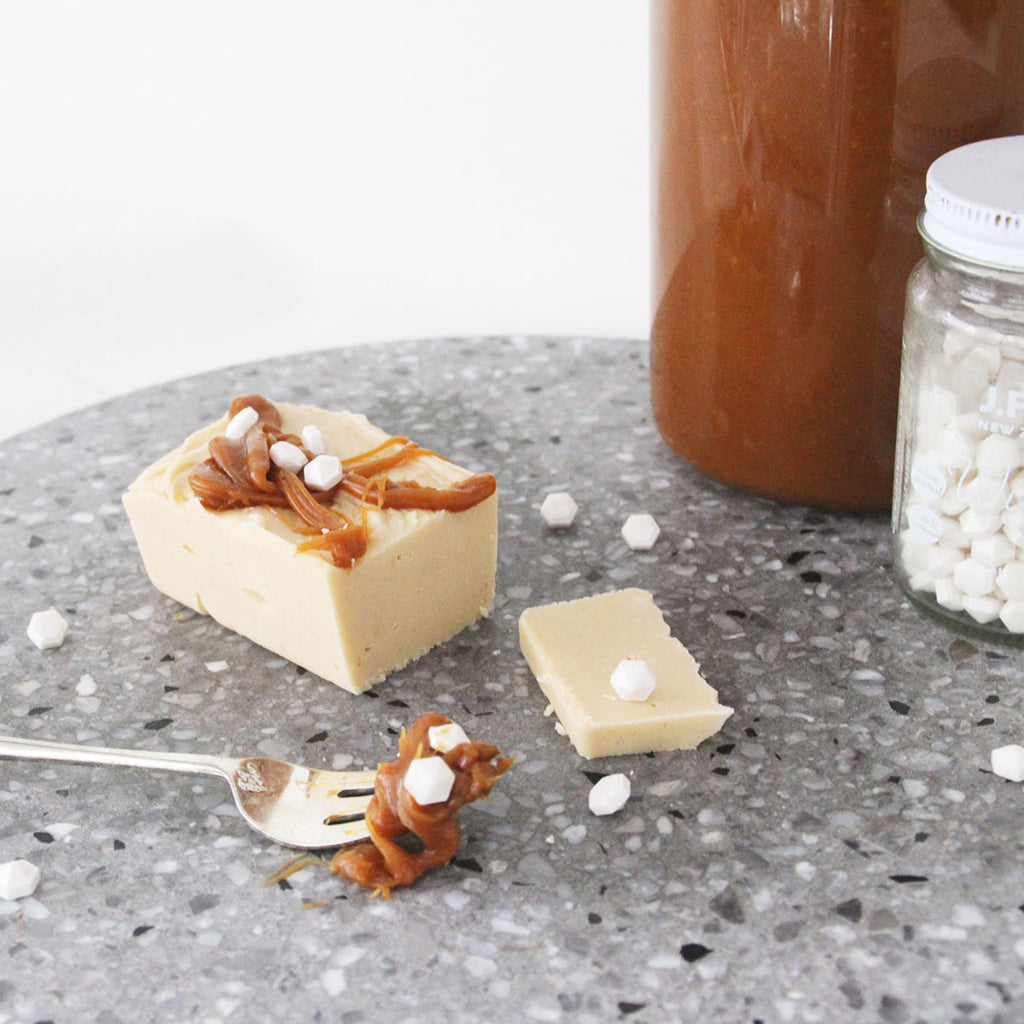 Hello Sailor Bakery | Caramelised White Chocolate Artisan Fudge drizzled in Dulce de leche