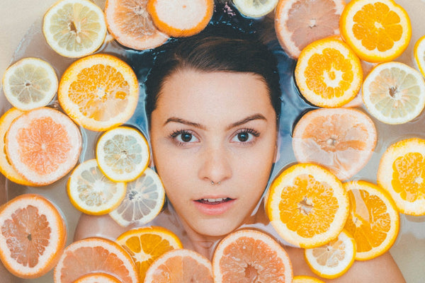 VITAMIN C in Skincare- WHY IS IT BENEFICIAL? How can you use it?