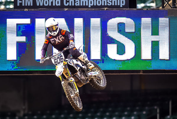 Round 4 Oakland Supercross | Photo Report