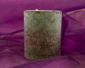 Royal aroma of the wilderness - hand crafted huckleberry candle