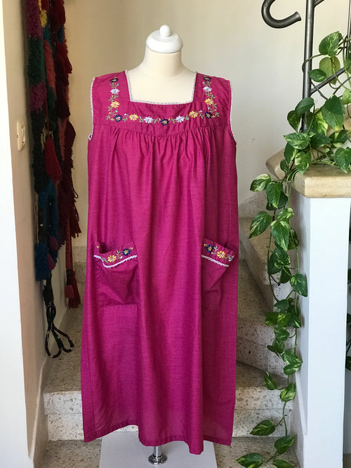 1980s Vintage Mexican Style Sleeveless Midi Dress