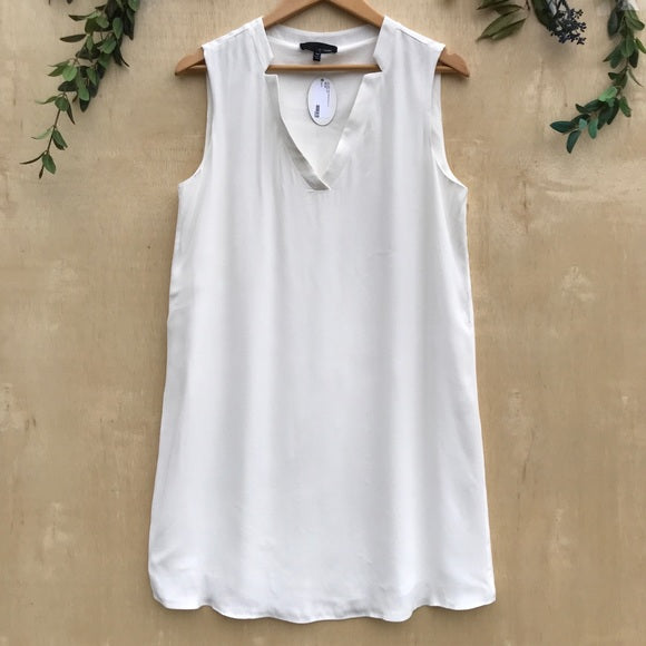 Lost April White V-Neck Sleeveless Dress
