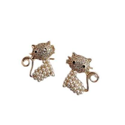 Yellow Gold Pearl Rhinestone Small Cat Stud Earrings