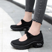 womens black flat shoes