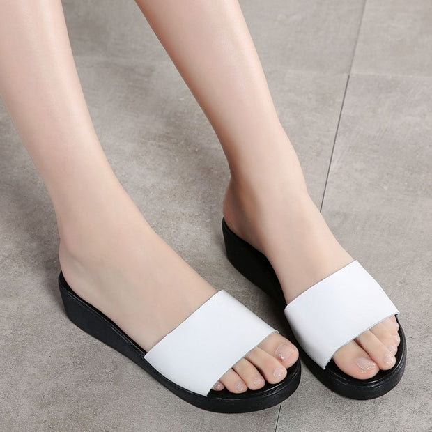 Women's leather pretty street slip-on flat sandals