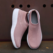 stylish sneakers womens