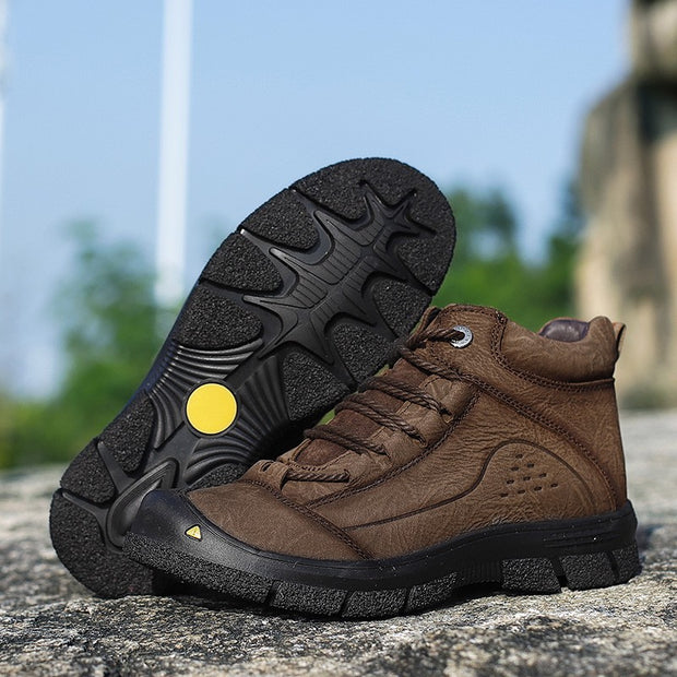 Man's cool fashion joker outdoor leather comfortable boots