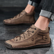 Man's leather retro fashion joker leisure comfortable flat shoes