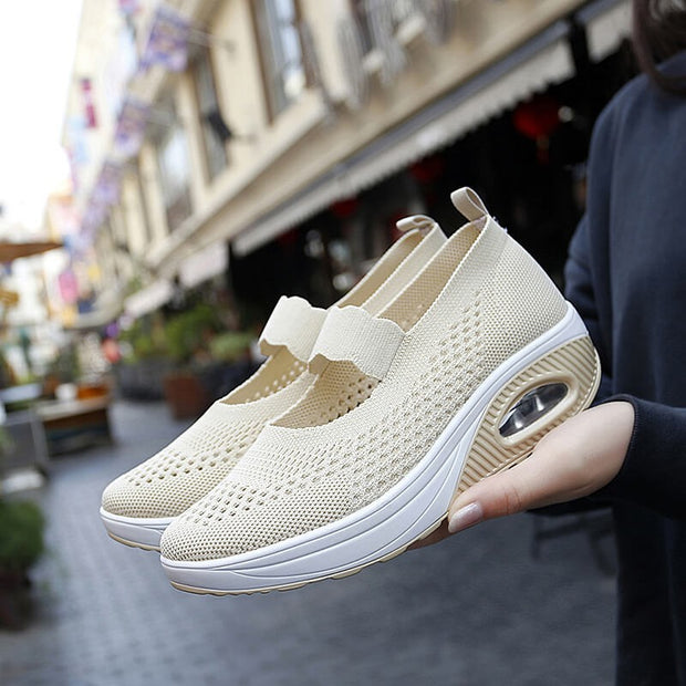 Women's lightweight breathable air-cushion elastic slip-on jogging sneakers