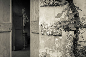 Hidden statue-Mark Bolton Print Shop