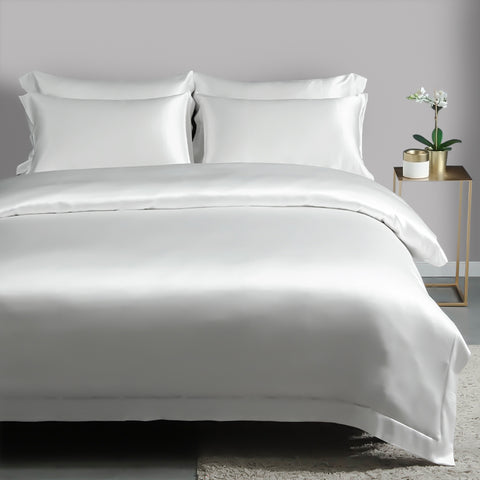 products/Olesilk_19_Momme_Four-pieces_Pure_Silk_Bedding_Set-Ivory_609b1a77-848c-4209-bce0-242b620a9c0d.jpg