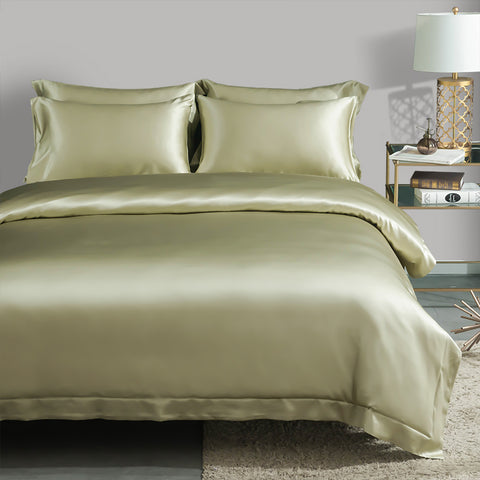 products/Olesilk_22_MOMME_Four-pieces_Silk_Bedding_Set-Soft_Green_635923bc-e6b3-4d77-94ed-85c672e61de0.jpg