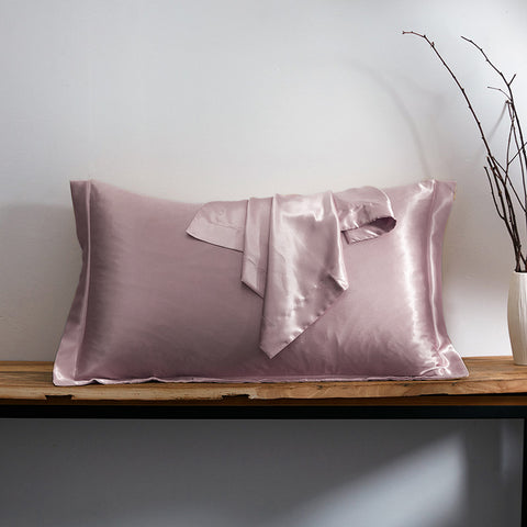 products/Olesilk_Oxford_Silk_Pillowcase_Light_Plum_0d5569ea-f8e1-4a5e-bf99-286465319f20.jpg