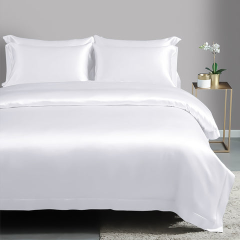 products/Olesilk_Silk_Duvet_Cover-White_187a9b68-39d1-4609-a9dc-13a898cd11f4.jpg