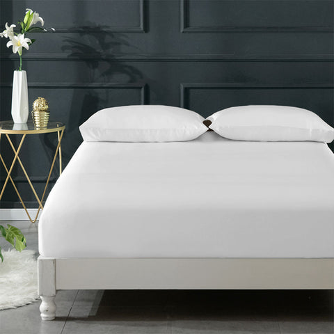 products/Olesilk_Silk_Fitted_Sheet-White_1_16a7519e-4bca-476f-9ac5-d5a4f0cb52f2.jpg