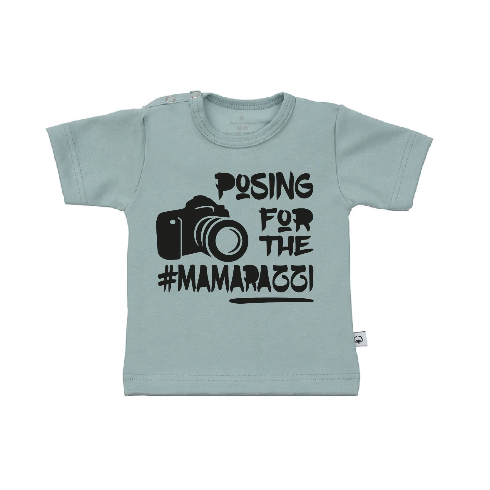 T-Shirt posing for the mamaraggi