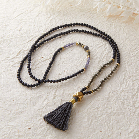 BEYOND BARRIERS MINI MALA