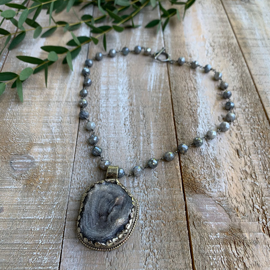 AU-NATUREL AGATE NECKLACE