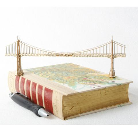 St. John's Bridge Model Kit