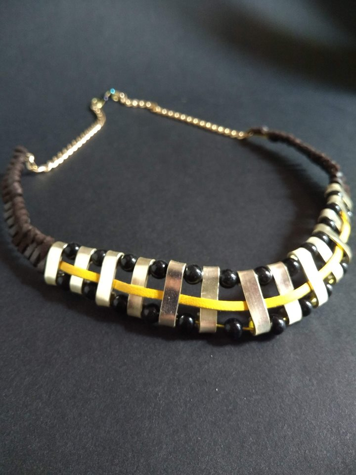 The Yellow Line Necklace