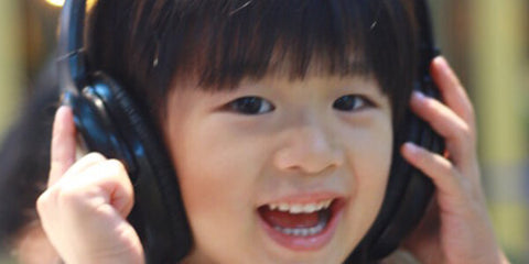 Benefits of headphones for autistic people