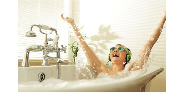 What Should You Know When Wearing Headphones In The Bath