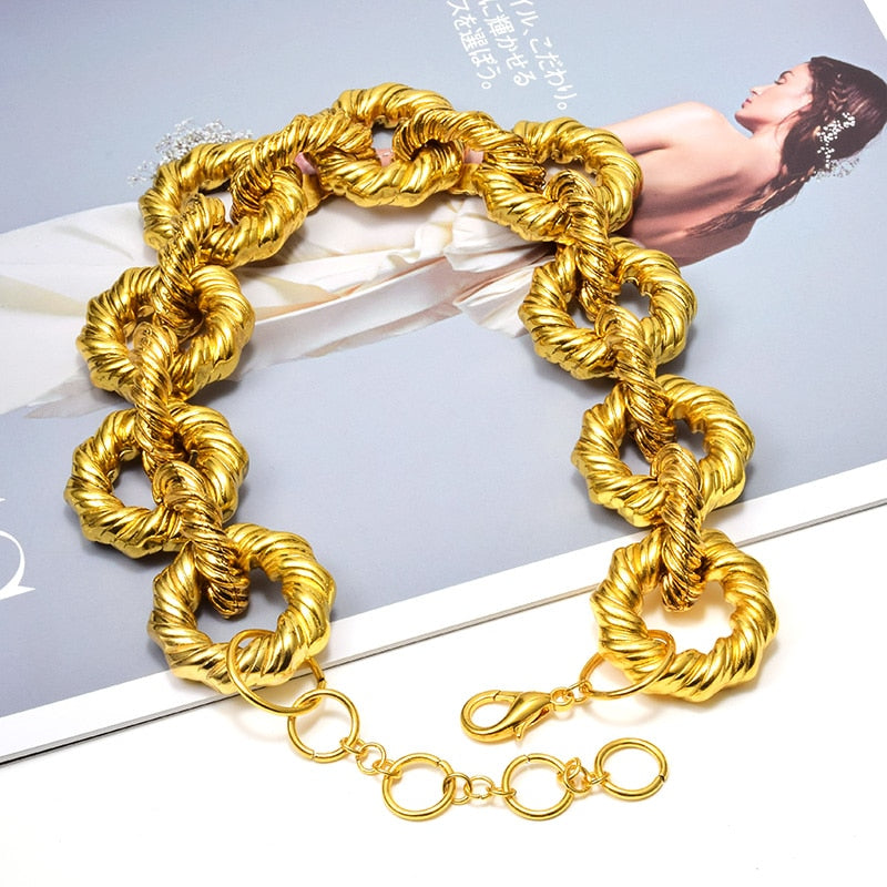 2020 High End Luxury Gold Hoops Necklace