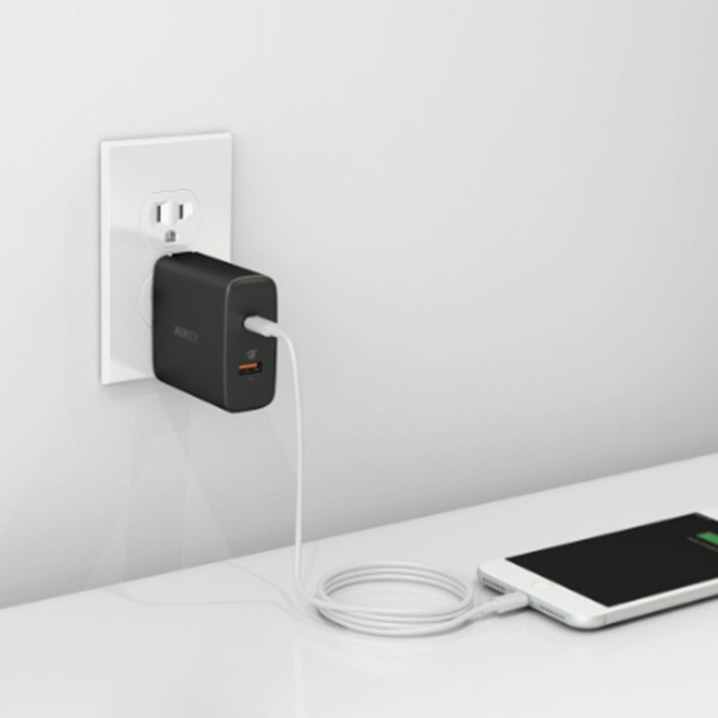 Aukey Amp 30W Power Delivery Wall Charger with Quick Charge 3.0 (PA-Y11)
