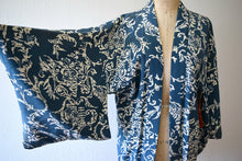 Load image into Gallery viewer, Vintage haori . vintage 1950s kimono