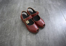 Load image into Gallery viewer, 1940s 1950s shoes . vintage wedge sandals