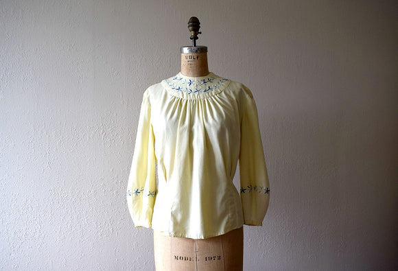 1930s 1940s blouse . vintage 30s 40s top with embroidery