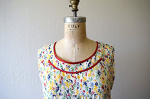Load image into Gallery viewer, 1920s rainbow print dress . vintage 20s dress