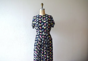 1940s novelty print dress . vintage 40s rayon dress