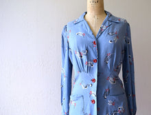 Load image into Gallery viewer, Early 1940s dress . vintage 40s feather print tunic