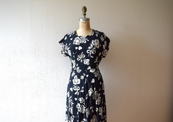 1940s rose print dress . vintage 40s rayon dress