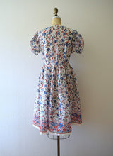 Load image into Gallery viewer, Late 1930s border print dress . vintage 30s puff sleeve dress